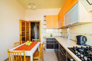 Стильная кухня в трехкомнатной vip квартире на пр-те Независимости, 19 в Минске